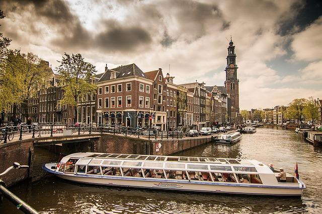 amsterdam-1089656_640