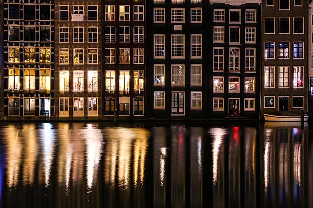 amsterdam-1454262_640