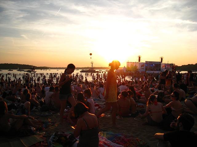 vacanza con amici-energy-in-the-park-1351014_640