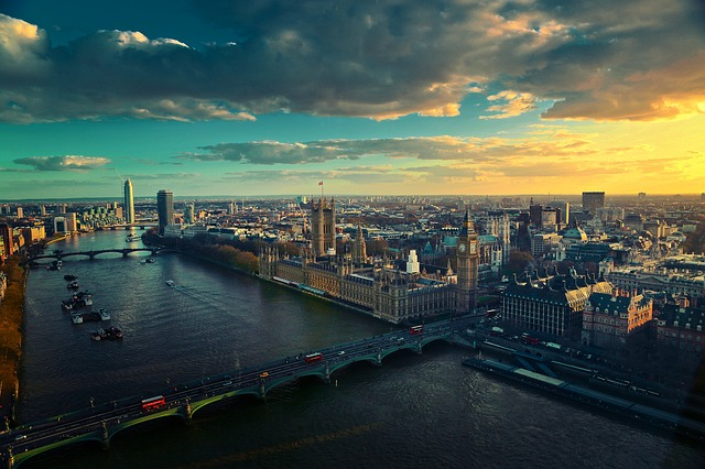 Brexit-river-541456_640
