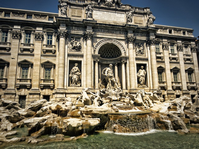 Roma-trevi-fountain-298411_640