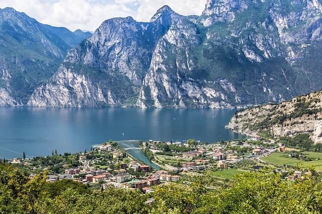 Lago di garda-943087_640