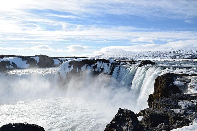 Islanda-iceland-1498121_640