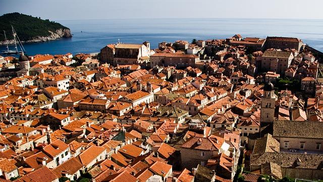 balcani-roofs-1195792_640