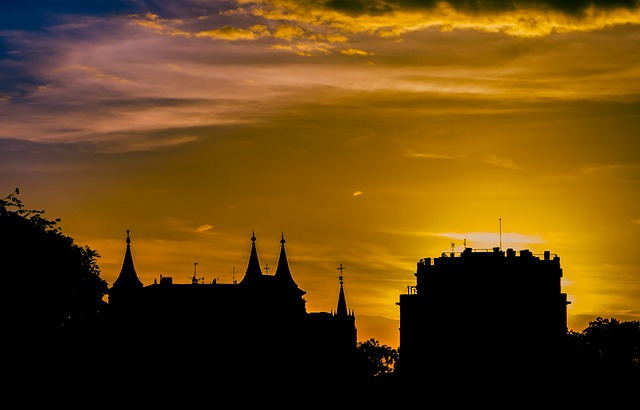 madrid-sunset-185951_640