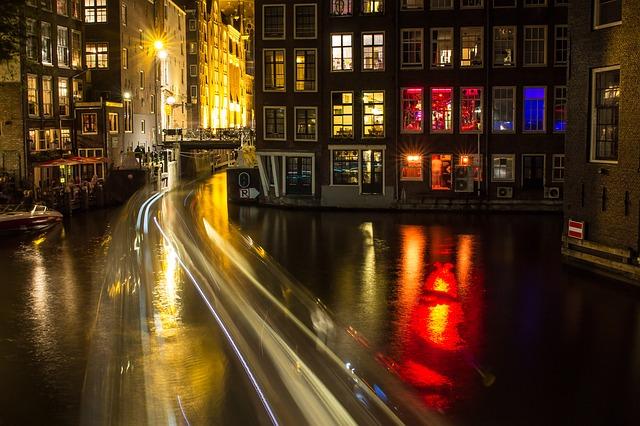 amsterdam-1629424_640