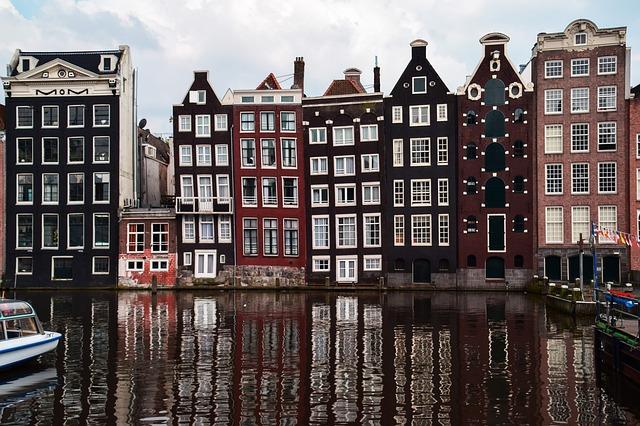 amsterdam-1682963_640