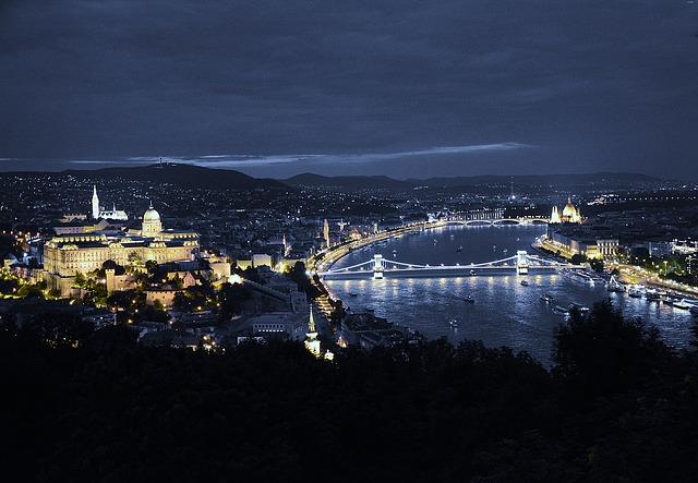 budapest-420988_640