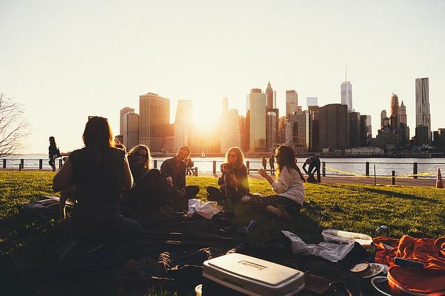 Erasmus-picnic-1208229_640