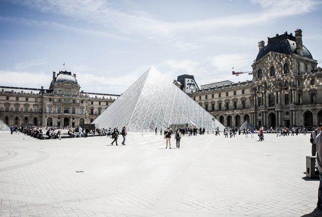 Parigi-nndhkyxltfe7d5uzv9bk_louvre