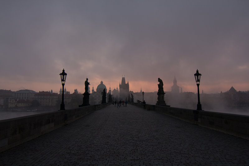 Praga-A photo by Ryan Lum. unsplash.com/photos/1ak3Z7ZmtQA