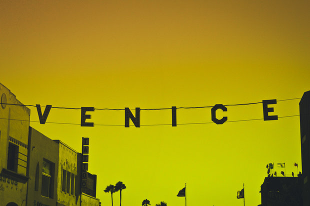 los angeles-A photo by Stuart Guest-Smith. unsplash.com/photos/eep6yrHfPp8