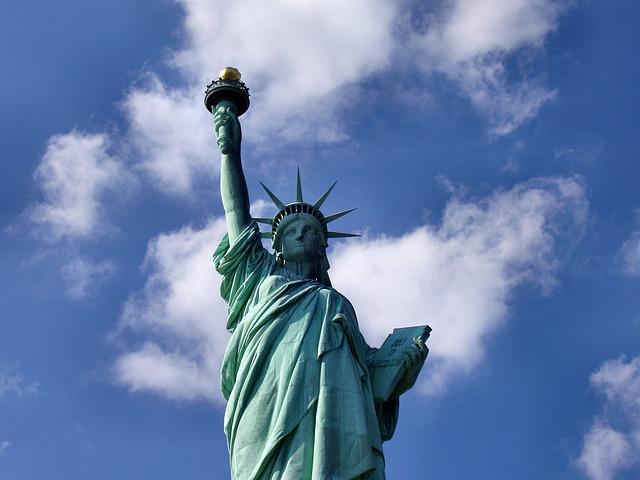 coast to coast-statue-of-liberty-1045266_640