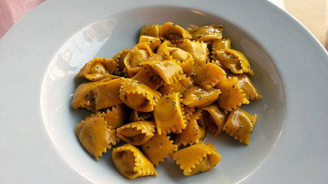 © Blue Moon in Her Eyes - Agnolotti al Plin