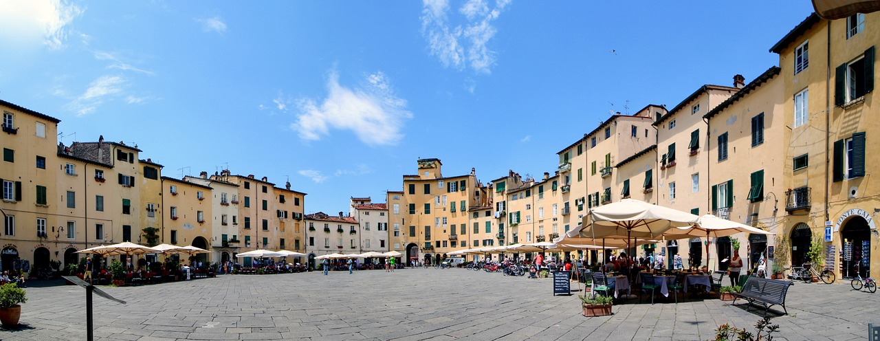 lucca-1097366_1280